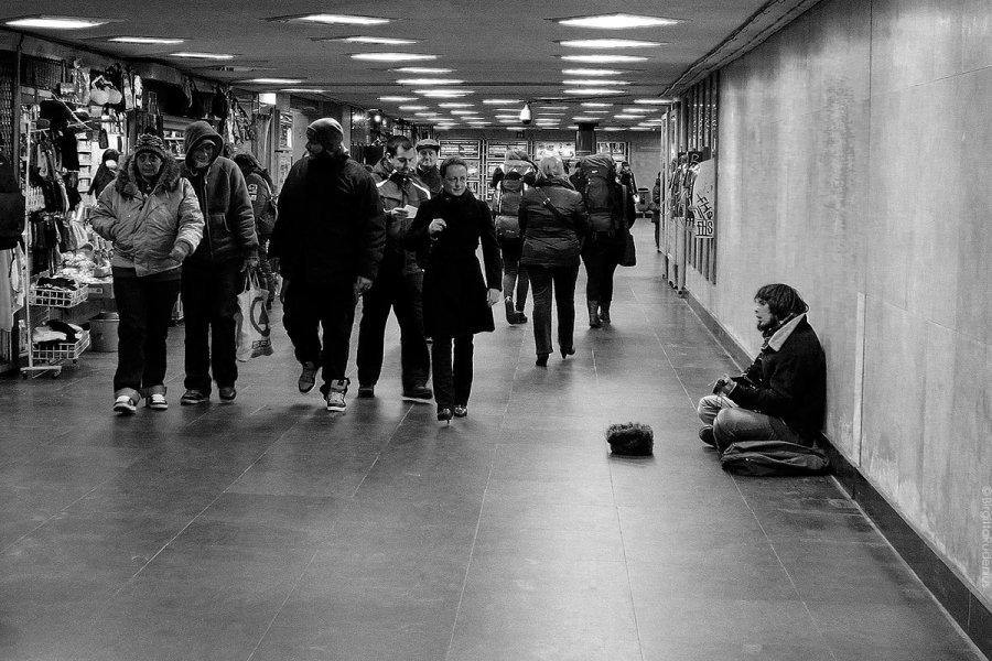 PiPP_20130104_beggar