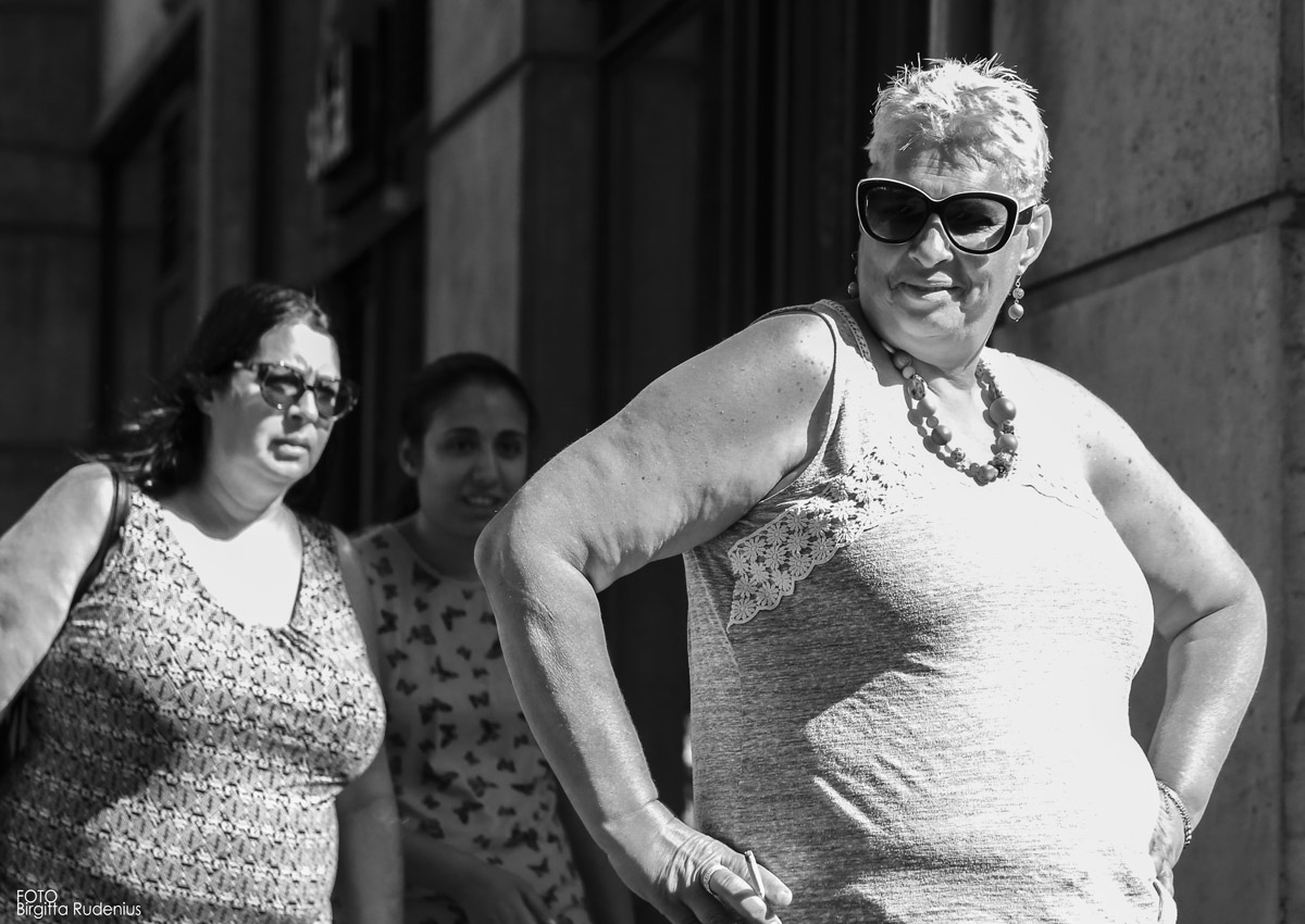 Street Photography - Some ladies are just so cool!