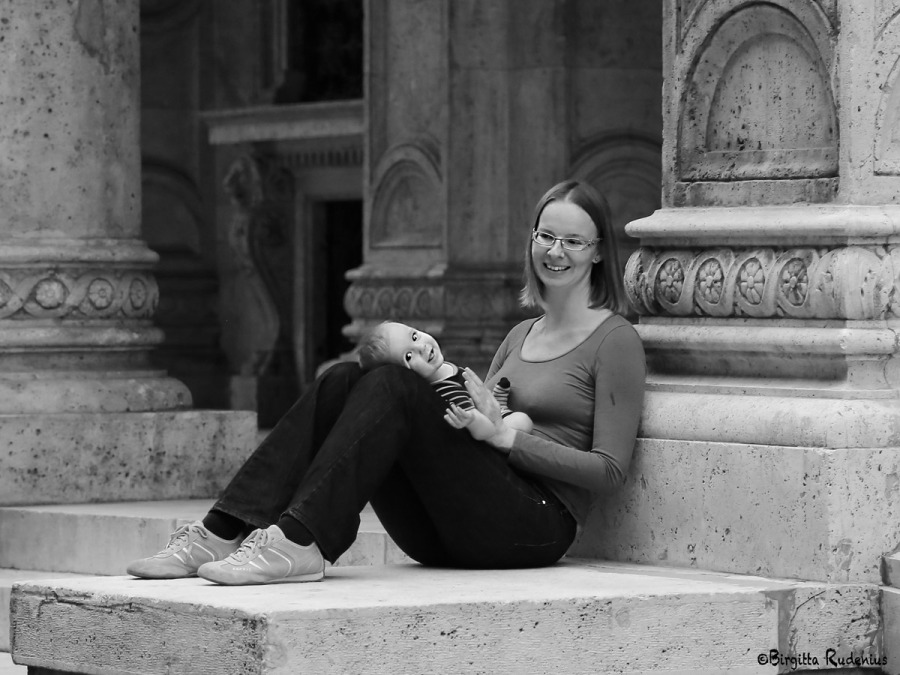 People in Public Places - Street Photo. Mum & Baby.